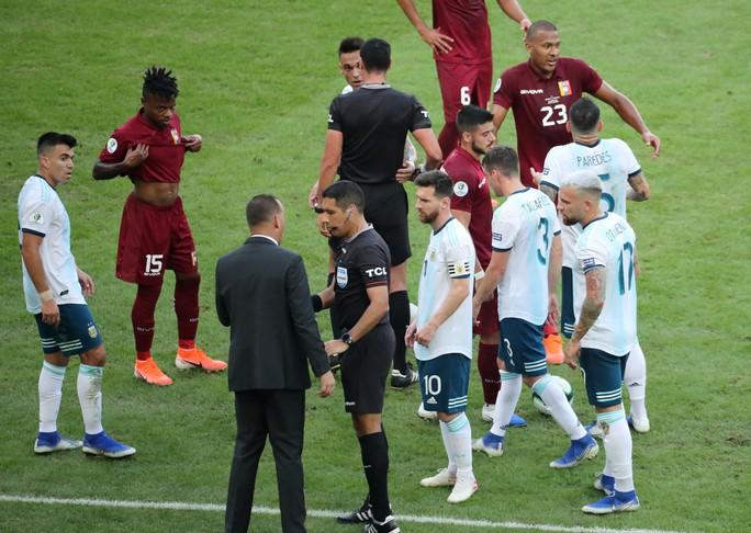 Đánh bại Venezuela, Argentina chờ siêu kinh điển Nam Mỹ ở bán kết - Ảnh 6.