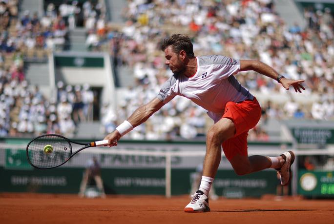 Federer - Wawrinka: Người Thụy Sĩ đại chiến ở Roland Garros - Ảnh 1.