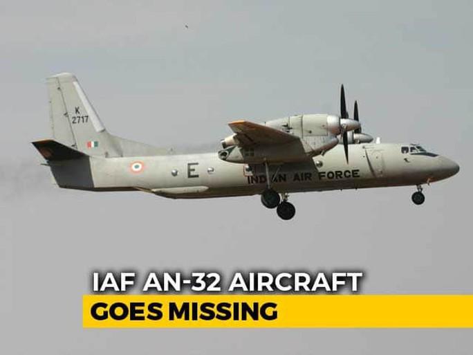 Máy bay quân sự Ấn Độ chở 13 người mất tích gần Trung Quốc - Ảnh 1.