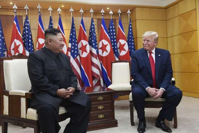 Toàn cảnh chuyến thăm của ông Trump tới DMZ - Ảnh 5.
