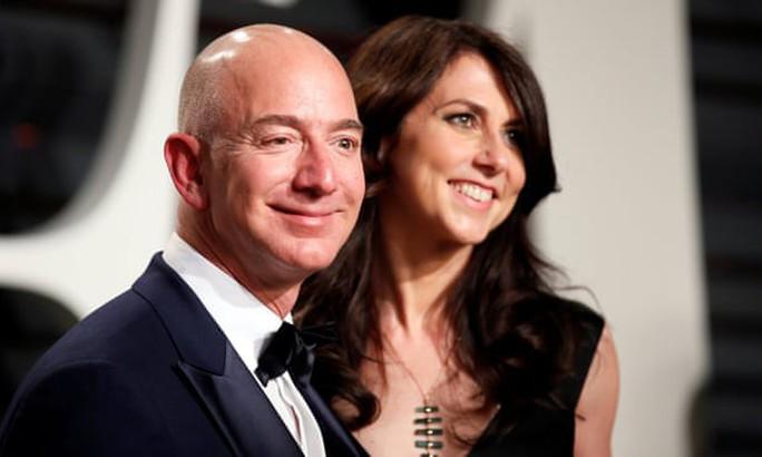 Sau ly hôn, vợ cũ của ông trùm Amazon thành phụ nữ giàu thứ 4 thế giới - Ảnh 1.