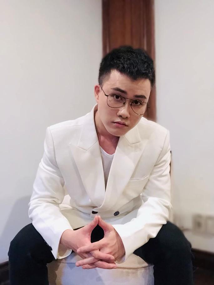 Nhạc sĩ Ông bà anh Lê Thiện Hiếu công khai tình đồng giới Tia Hải Châu - Ảnh 2.