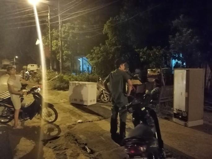 Cháy rừng kinh hoàng ở Hà Tĩnh: Lập chốt chặn trên QL 1A cũ, sơ tán dân - Ảnh 7.