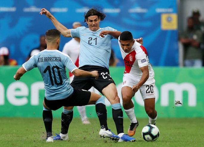 Suarez đá hỏng 11 m, Uruguay thua sốc Peru ở Copa America - Ảnh 4.