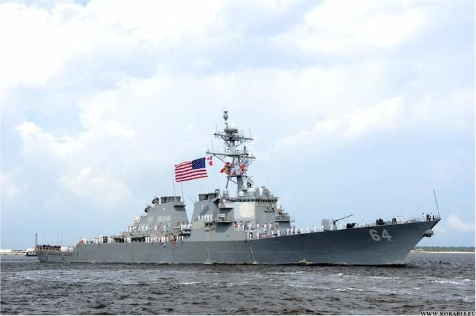 Tàu chiến Mỹ vào biển Đen, Crimea phản ứng mạnh - Ảnh 1.