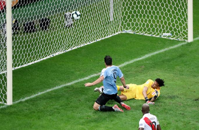 Suarez đá hỏng 11 m, Uruguay thua sốc Peru ở Copa America - Ảnh 6.