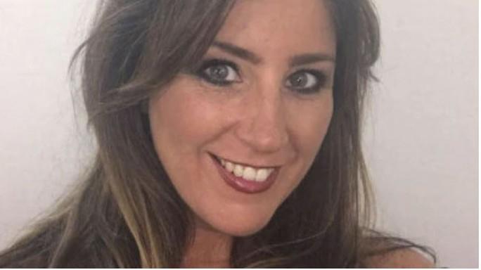Nuốt túi cocaine trước khi lên máy bay, nữ giáo viên chết thảm - Ảnh 1.