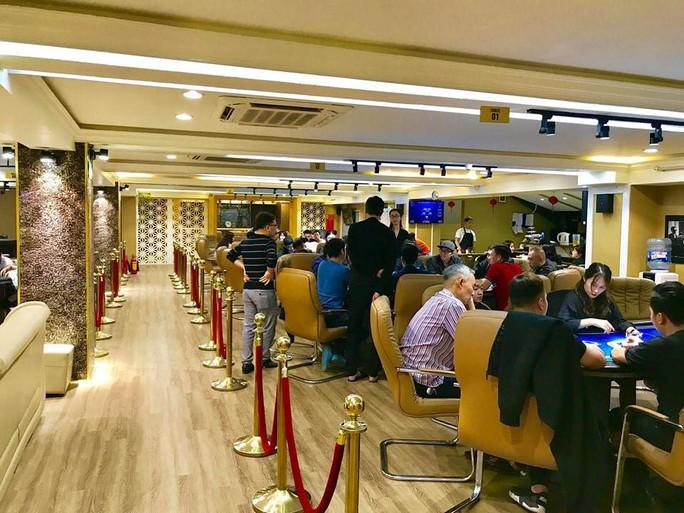 Bắt ông chủ CLB Poker ở Hà Nội về hành vi tổ chức đánh bạc - Ảnh 1.