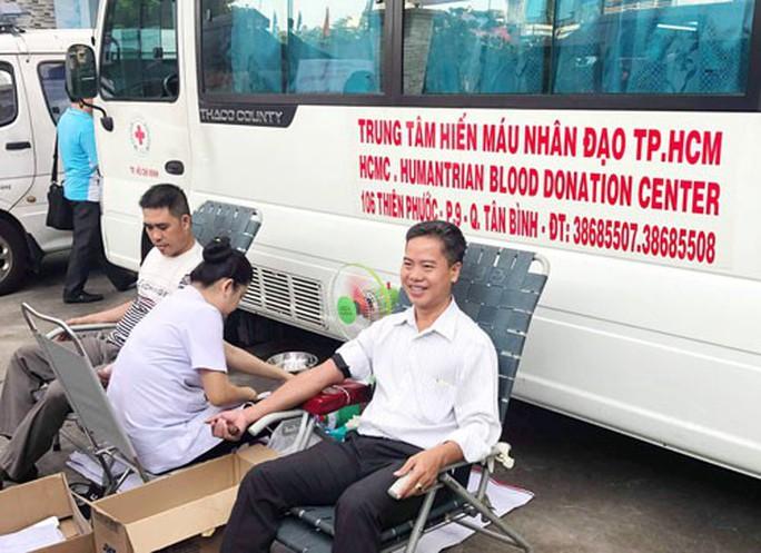 373 CNVC-LĐ hiến máu tình nguyện - Ảnh 1.
