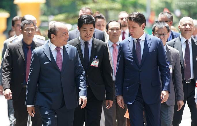Thủ tướng Nguyễn Xuân Phúc nhận lời thăm Ý - Ảnh 1.