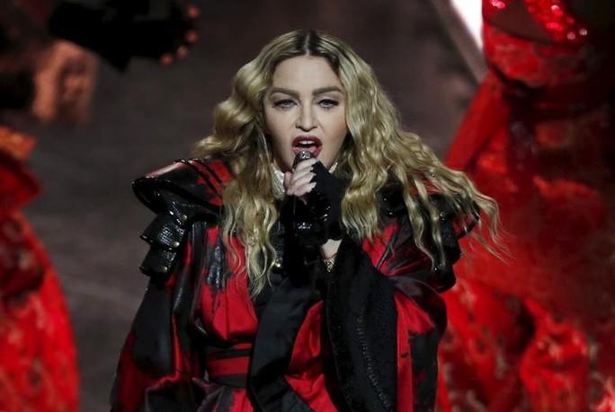 Madonna thua trong vụ kiện giữ cặp quần lót - Ảnh 1.