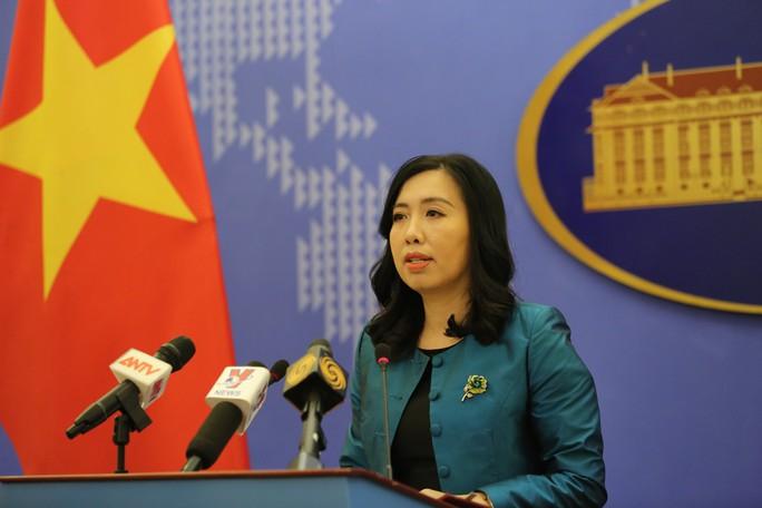 Việt Nam nói gì về việc thượng nghị sĩ Mỹ muốn trừng phạt Trung Quốc ở Biển Đông - Ảnh 1.