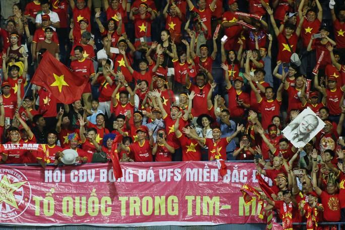 Việt Nam thắng Thái Lan tại Buriram: Họ đã tâm phục khẩu phục - Ảnh 4.