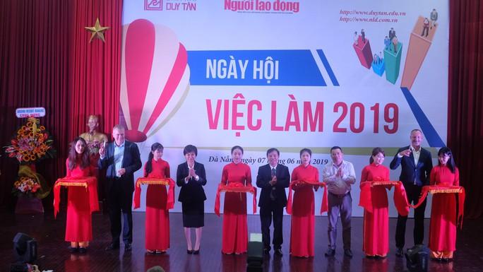 Hơn 80 doanh nghiệp tham gia ngày hội việc làm tại Đà Nẵng - Ảnh 1.