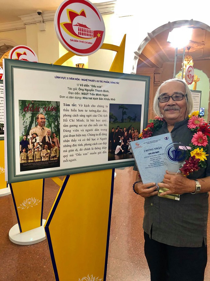 Đạo diễn Trần Minh Ngọc xúc động đón nhận giải thưởng Sáng tạo - Ảnh 2.