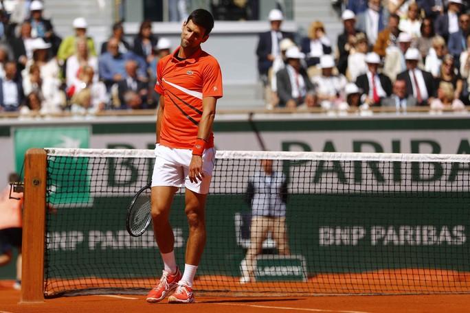 Bán kết Roland Garros 2019: Ông trời cũng không thể cứu được Djokovic - Ảnh 4.