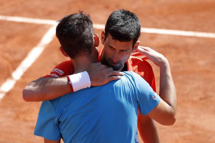 Bán kết Roland Garros 2019: Ông trời cũng không thể cứu được Djokovic - Ảnh 1.