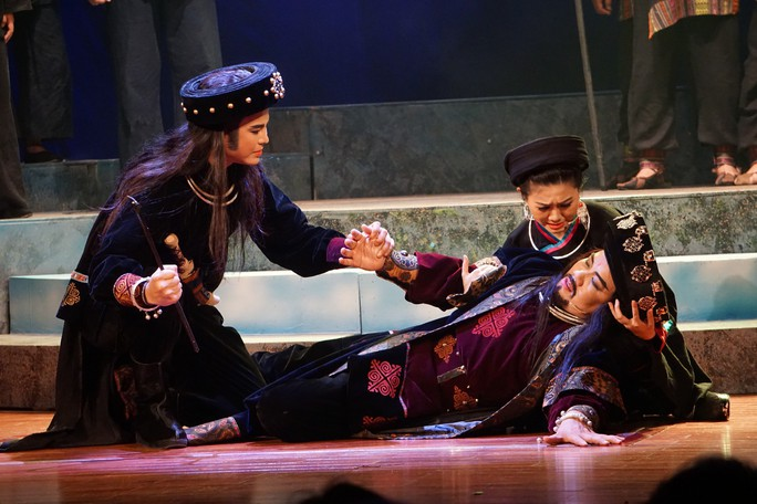 Đông ngôi sao sân khấu đến chiêm ngưỡng Chuyện tình Khau Vai - Ảnh 6.