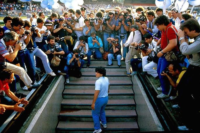 Những khoảng tối của Maradona - Ảnh 1.