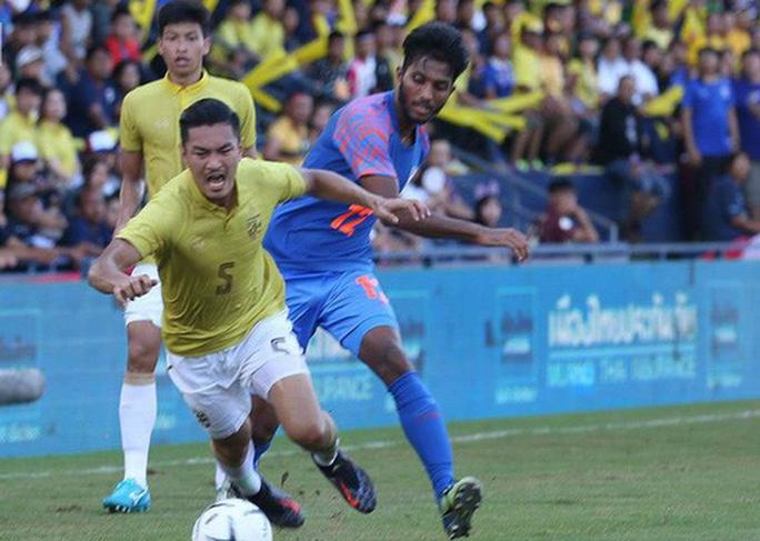 Thái Lan thua Ấn Độ, khán giả bỏ về không xem chung kết Kings Cup - Ảnh 1.
