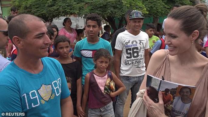 Angelina Jolie kêu gọi hỗ trợ trẻ em Venezuela - Ảnh 5.