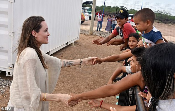 Angelina Jolie kêu gọi hỗ trợ trẻ em Venezuela - Ảnh 4.