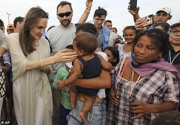 Angelina Jolie kêu gọi hỗ trợ trẻ em Venezuela - Ảnh 3.