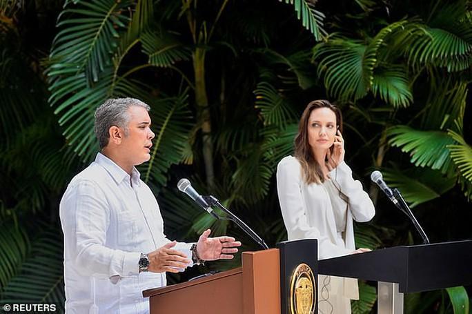 Angelina Jolie kêu gọi hỗ trợ trẻ em Venezuela - Ảnh 1.