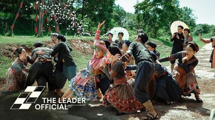 Văn hóa Việt đầy lên trong MV - Ảnh 1.
