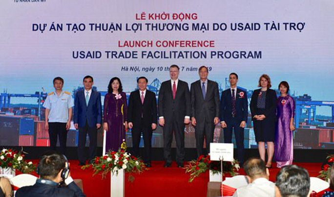 USAID hỗ trợ Việt Nam cải cách thủ tục thương mại - Ảnh 1.