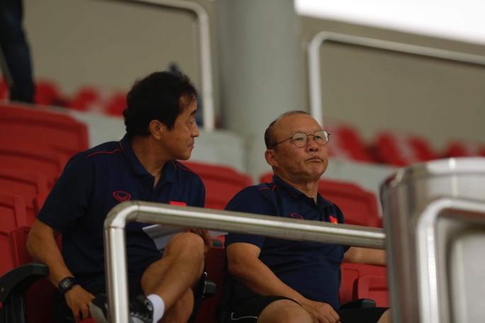 Thầy Park trầm ngâm khi U22 Việt Nam gặp khó vì học trò HLV Hoàng Anh Tuấn - Ảnh 2.