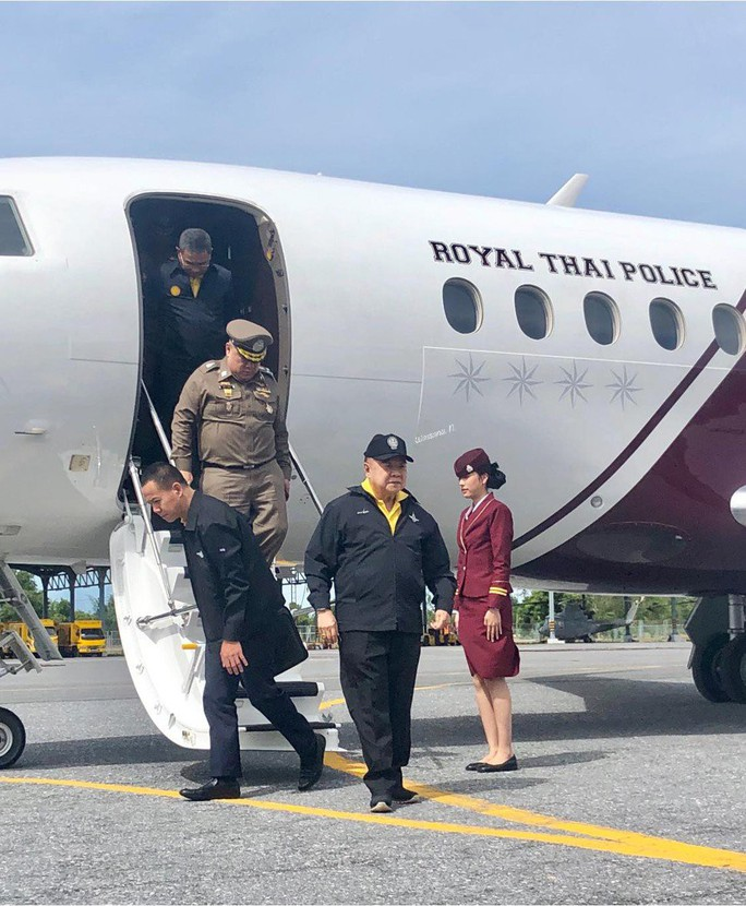 """Phó Thủ tướng Thái Lan """"gây bão"""" vì di chuyển 100 km bằng máy bay triệu USD - Ảnh 1."""