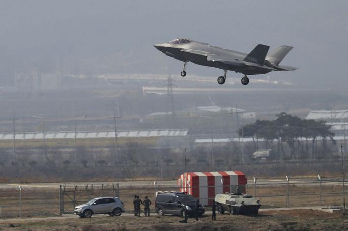 """Triều Tiên dọa phát triển vũ khí đặc biệt bắn hạ """"Tia chớp"""" F-35 - Ảnh 1."""