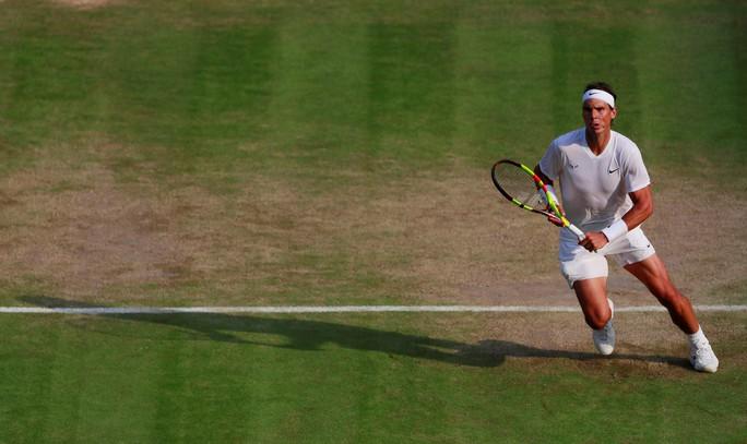 Cán cột mốc 100 trận thắng Wimbledon, Federer chạm trán Nadal ở bán kết - Ảnh 5.