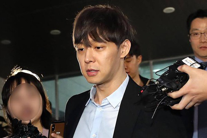 Hoàng tử gác mái Park Yoo Chun bị cấm sóng trên MBC - Ảnh 1.