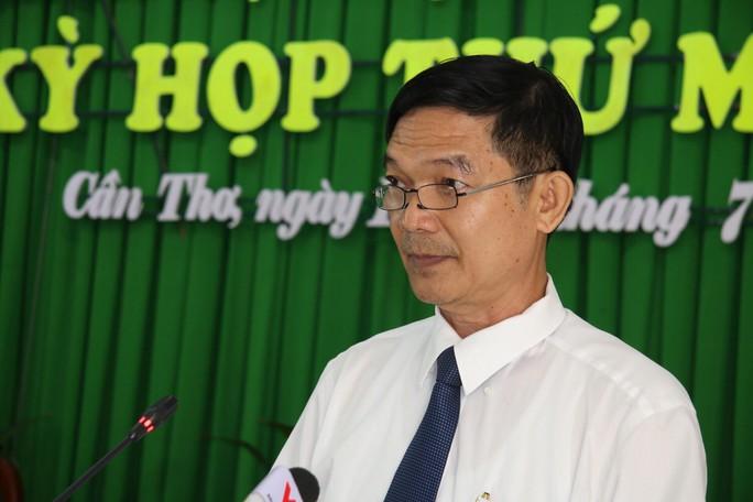 Họp HĐND TP Cần Thơ: Chất vấn nóng vụ xăng giả của đại gia Trịnh Sướng - Ảnh 1.