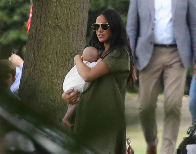 Hình ảnh đi chơi chung hiếm hoi của hai gia đình Hoàng tử Anh - Ảnh 1.