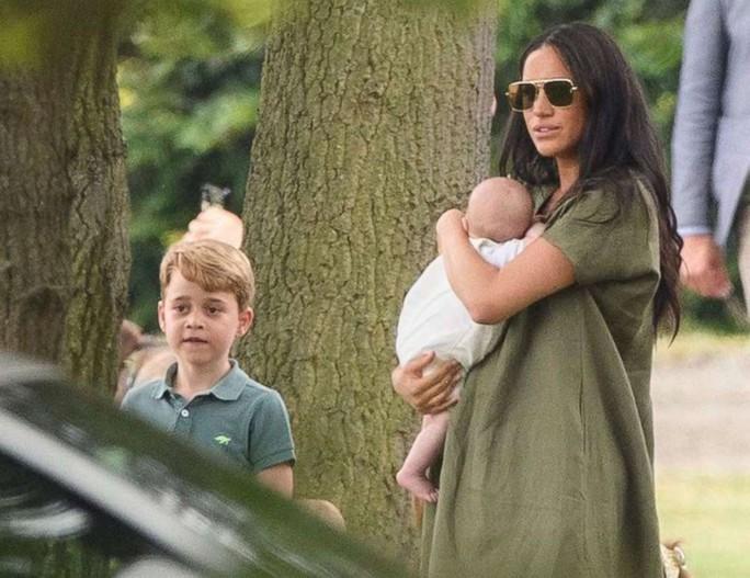Hình ảnh đi chơi chung hiếm hoi của hai gia đình Hoàng tử Anh - Ảnh 6.