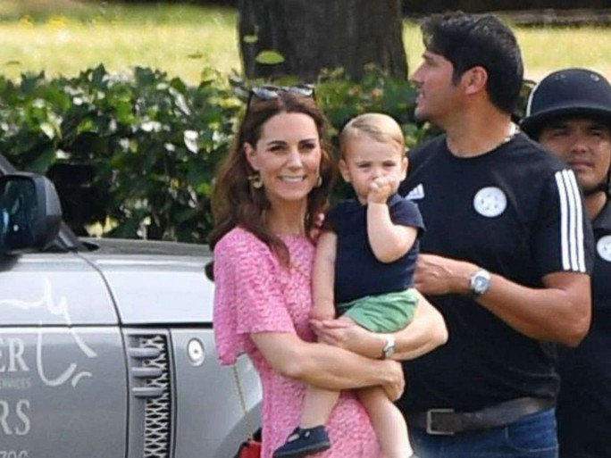 Hình ảnh đi chơi chung hiếm hoi của hai gia đình Hoàng tử Anh - Ảnh 7.