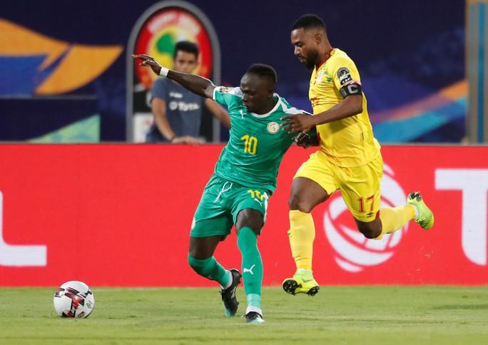 Sao Ngoại hạng Anh tỏa sáng, Senegal và Nigeria vào bán kết CAN 2019 - Ảnh 2.