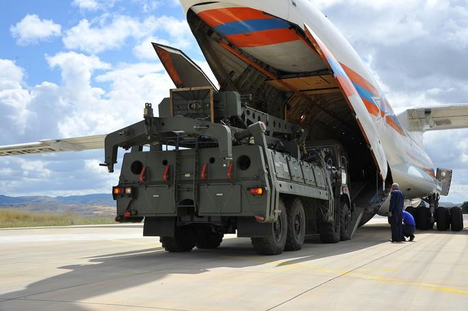 Thổ Nhĩ Kỳ nhận S-400, Mỹ phản ứng khác thường - Ảnh 1.