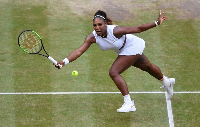 Clip: Đánh bại Serena Williams, Halep vô địch Wimbledon 2019 - Ảnh 2.