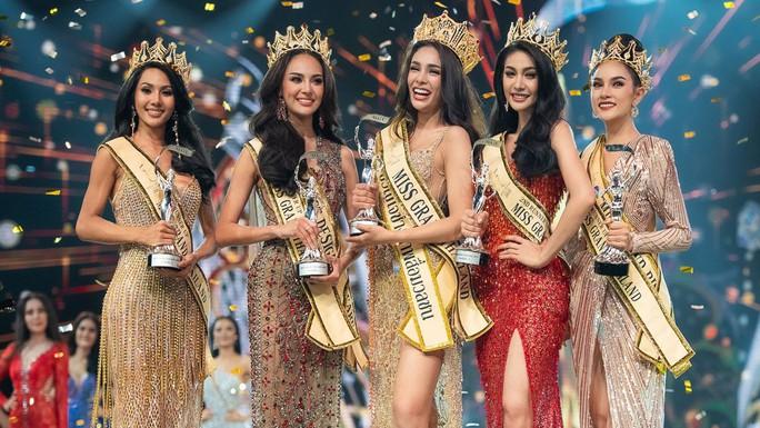 Tân Hoa hậu Hòa bình Thái Lan bị ném đá hậu đăng quang - Ảnh 3.