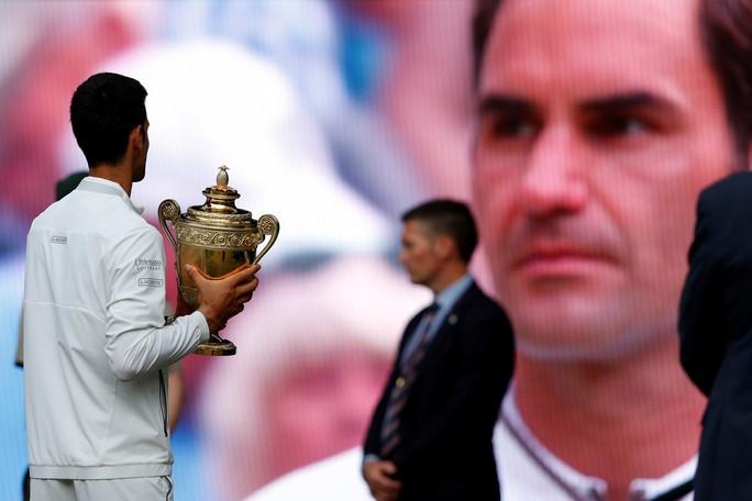 Roger Federer xin đừng buồn! Anh là nhà vô địch trong lòng NHM - Ảnh 2.
