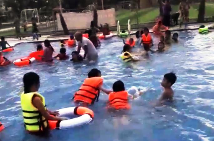 Bé trai 6 tuổi thiệt mạng khi đi tắm bể bơi tư nhân - Ảnh 1.