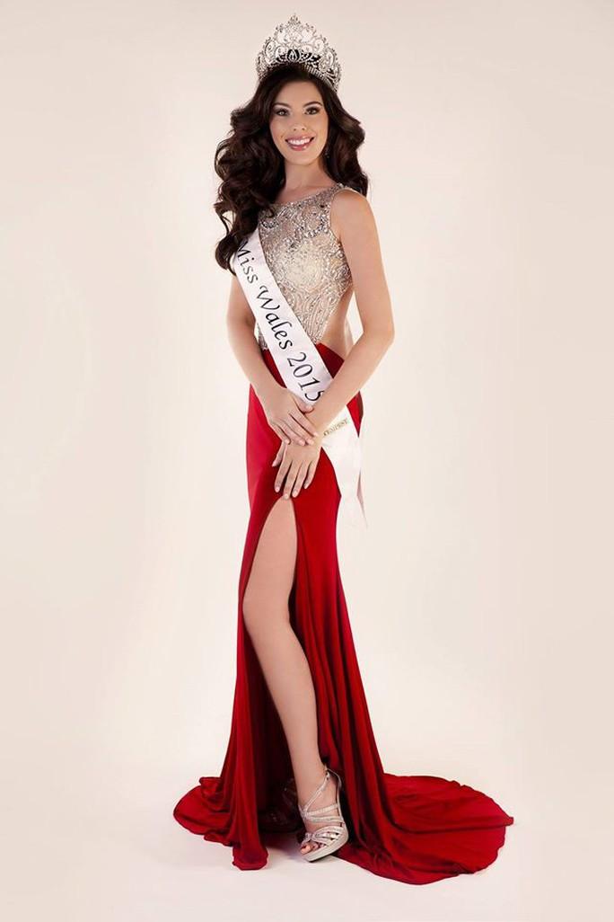 Vẻ đẹp bốc lửa của Tân Hoa hậu Hoàn vũ Anh - Ảnh 6.