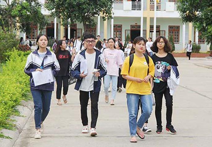 Tỉ lệ tốt nghiệp THPT năm nay của Sơn La thấp xa so với năm 2018 - Ảnh 1.
