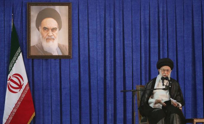 """Lãnh tụ Iran thề trả đũa """"cướp biển"""" Anh - Ảnh 1."""