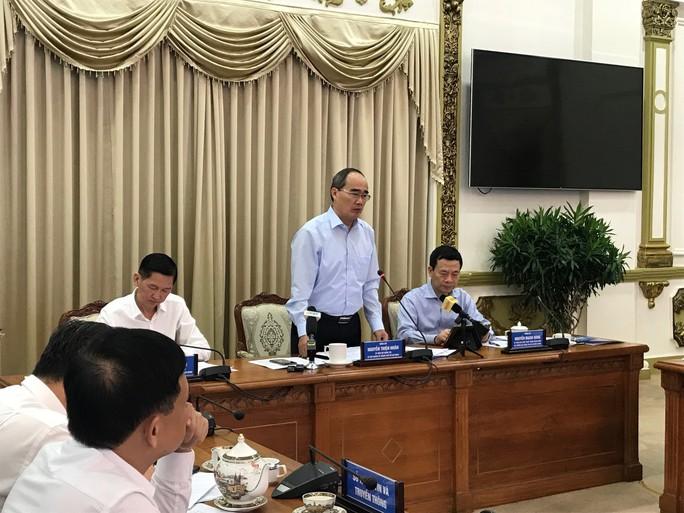Bộ trưởng Bộ Thông tin và Truyền thông làm việc với TP HCM - Ảnh 1.
