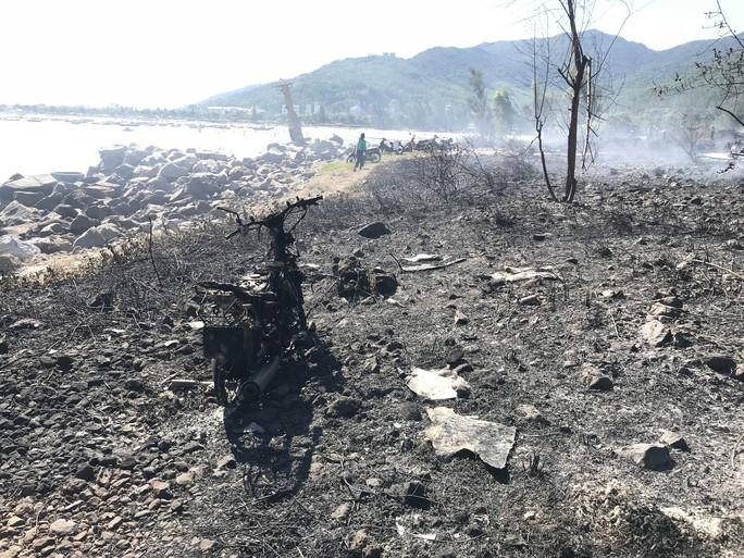 Cháy lớn trên bán đảo Sơn Trà, hơn 8 hecta rừng bị thiêu rụi - Ảnh 4.